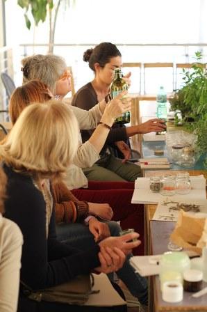 Corso di Aromaterapia e Autoproduzione di Oleoliti e Tinture a Venezia