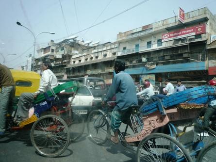 Sulla via Aromatica in India, al Bazar