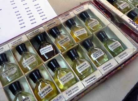 Oli essenziali...aromaterapia in India