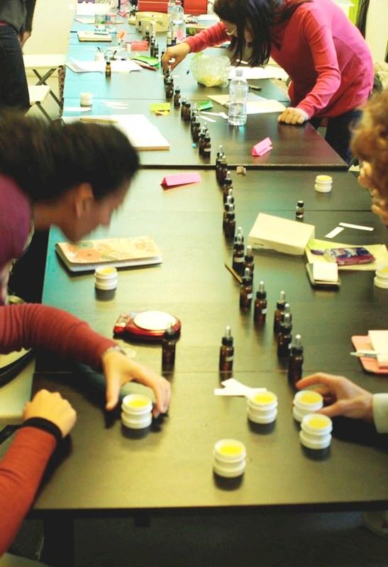 Corso di Autoproduzione di Creme e Aromaterapia